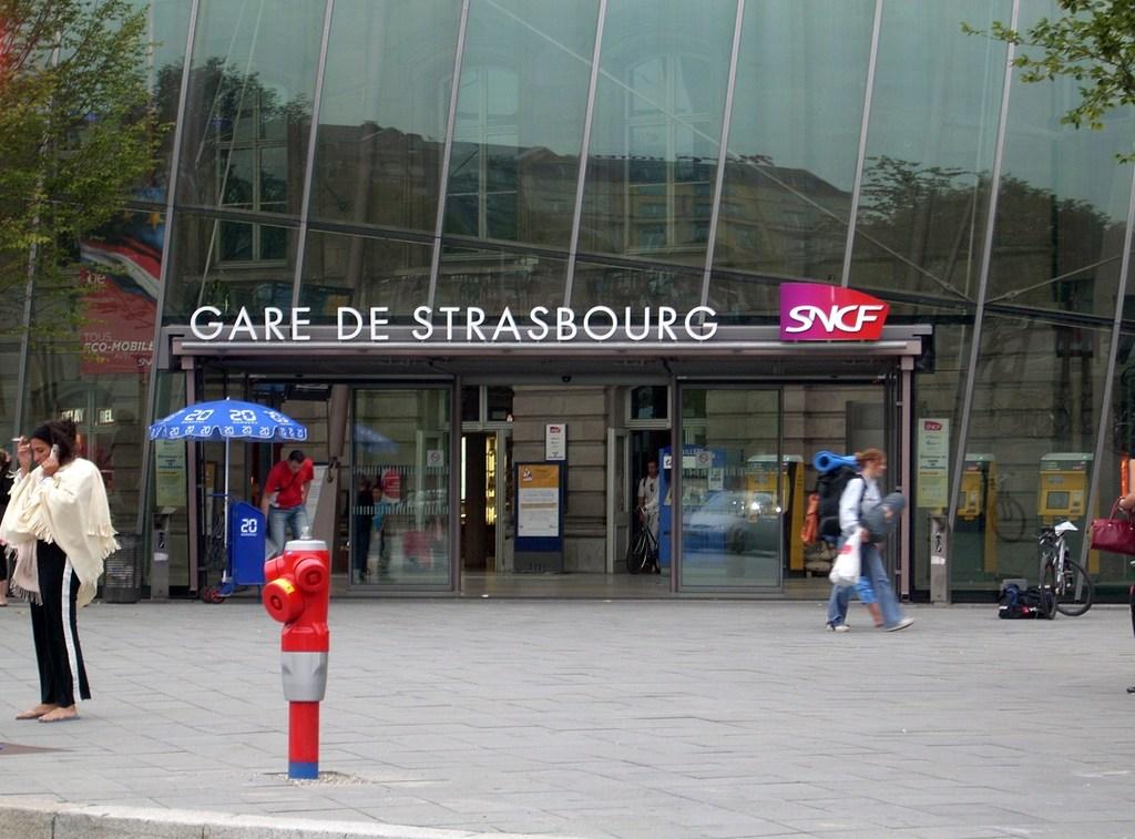 photo strasbourg 67000 gare de strasbourg 56099. Black Bedroom Furniture Sets. Home Design Ideas