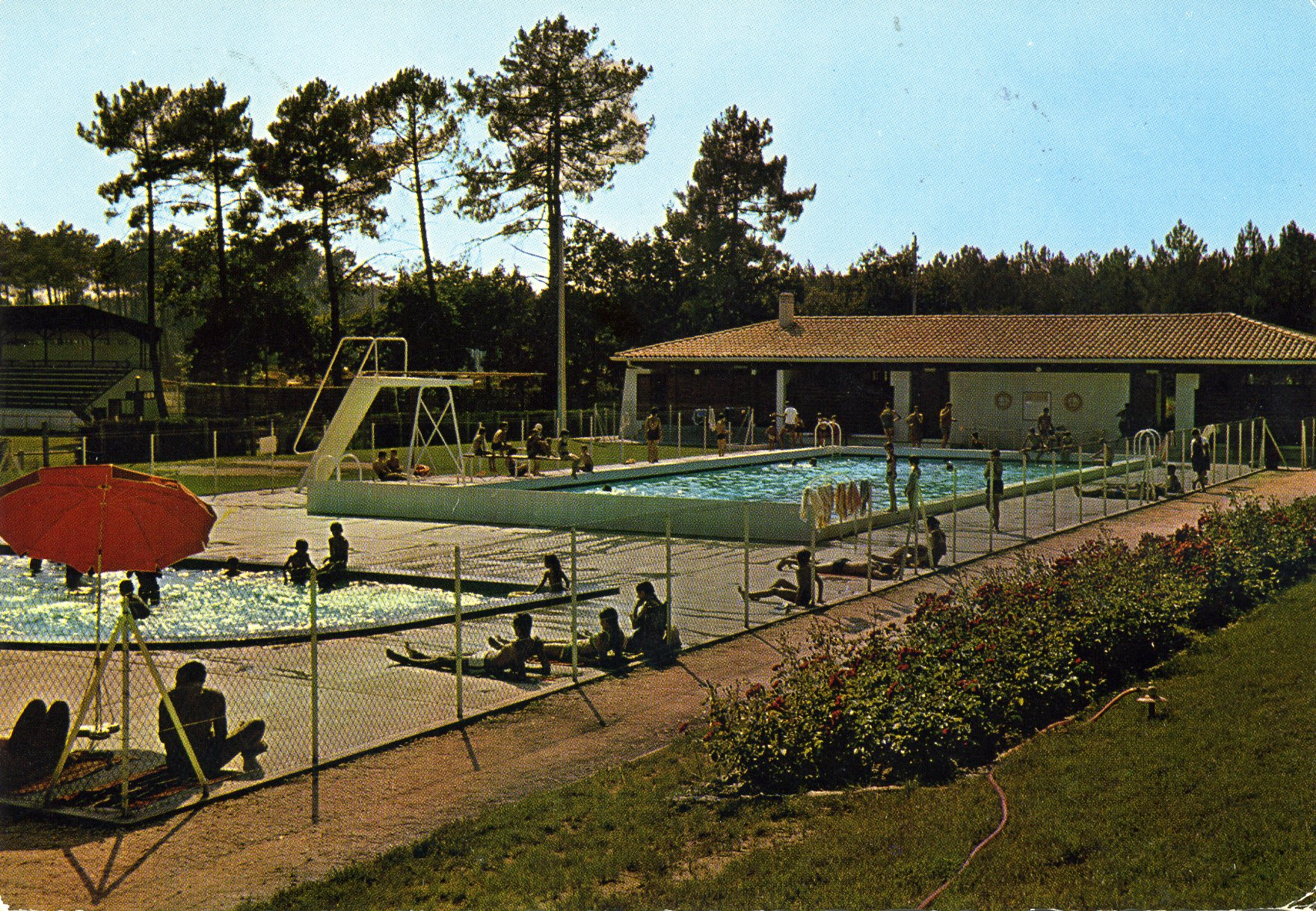 Photo salles 33770 la piscine municipale carte for Piscine a salles
