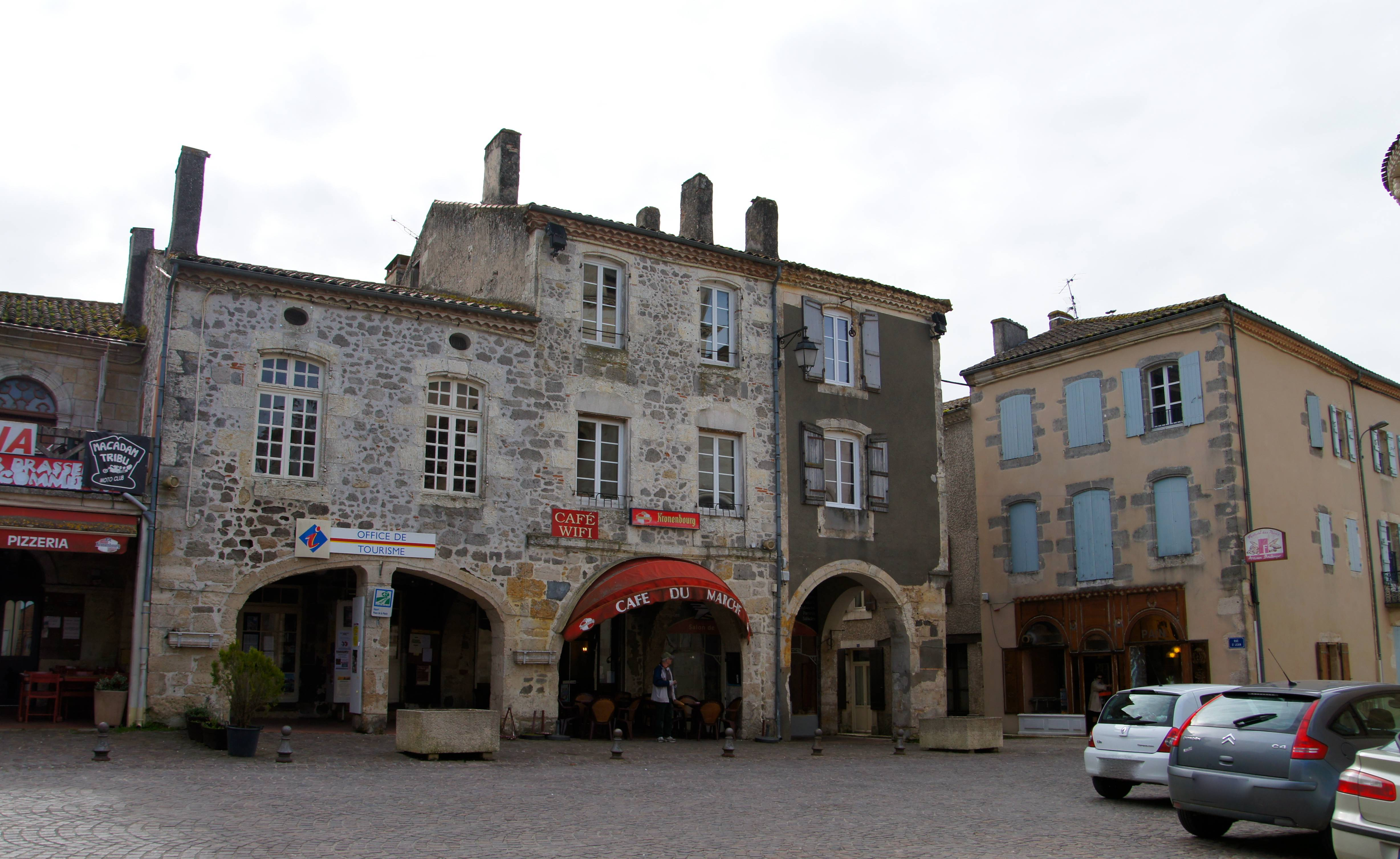 Photo m zin 47170 l office du tourisme place falli res m zin 182009 - Office du tourisme aquitaine ...