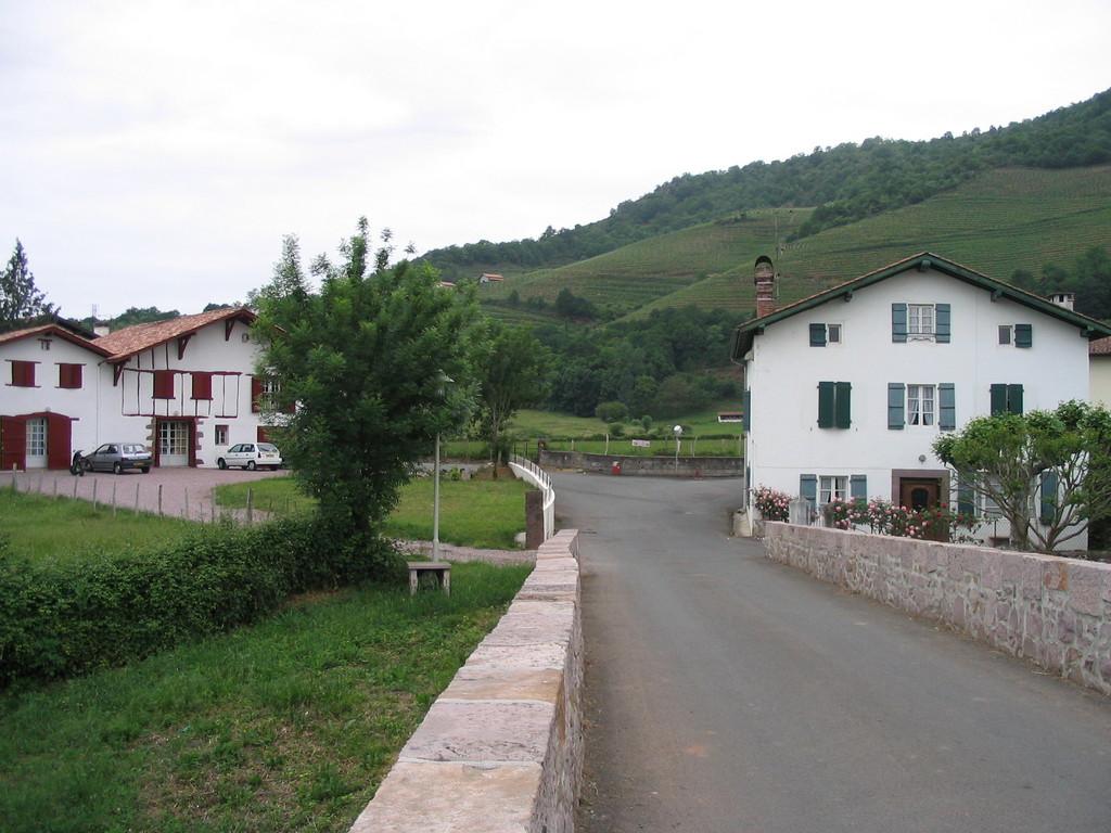 Photo 224 Ispoure 64220 Ispoure Petit Village Pres De St Jean Pied De Port 942 Communes Com