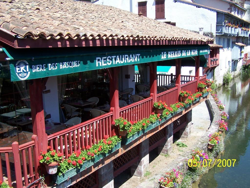 photo 224 jean pied de port 64220 restaurant au