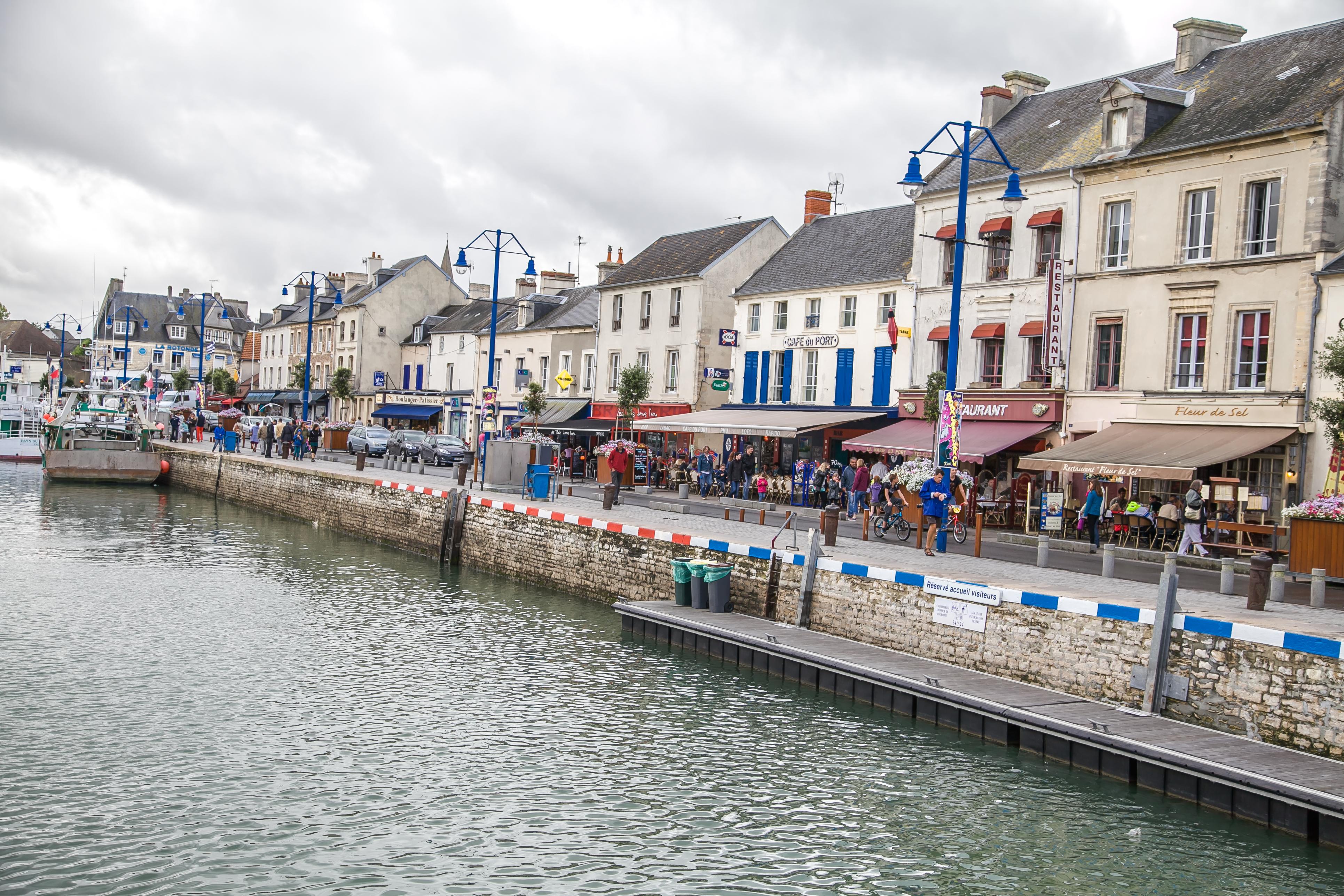 Photo port en bessin huppain 14520 port en bessin huppain 308729 - Poissonnerie port en bessin ...