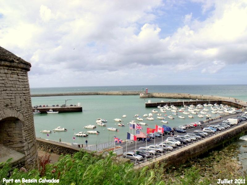Photo 224 Port En Bessin Huppain 14520 Vue Sur Le Port