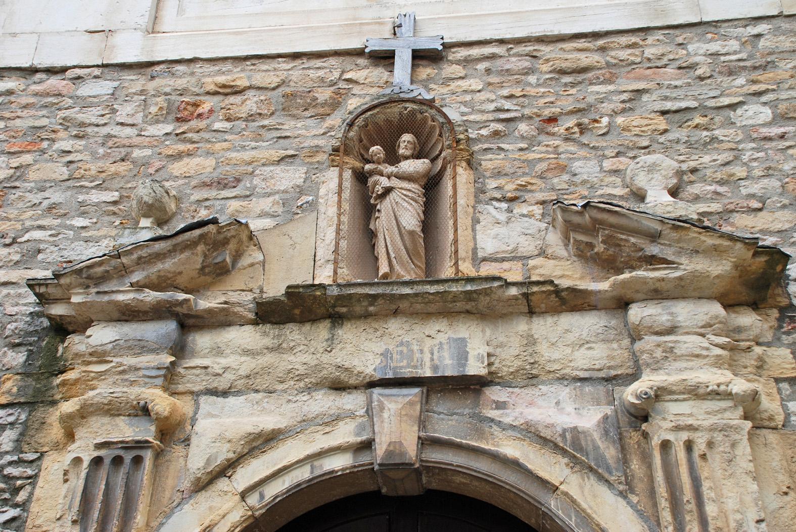 Photo cluny 71250 sur la rue de la poste la statue for La poste porte de saint cloud