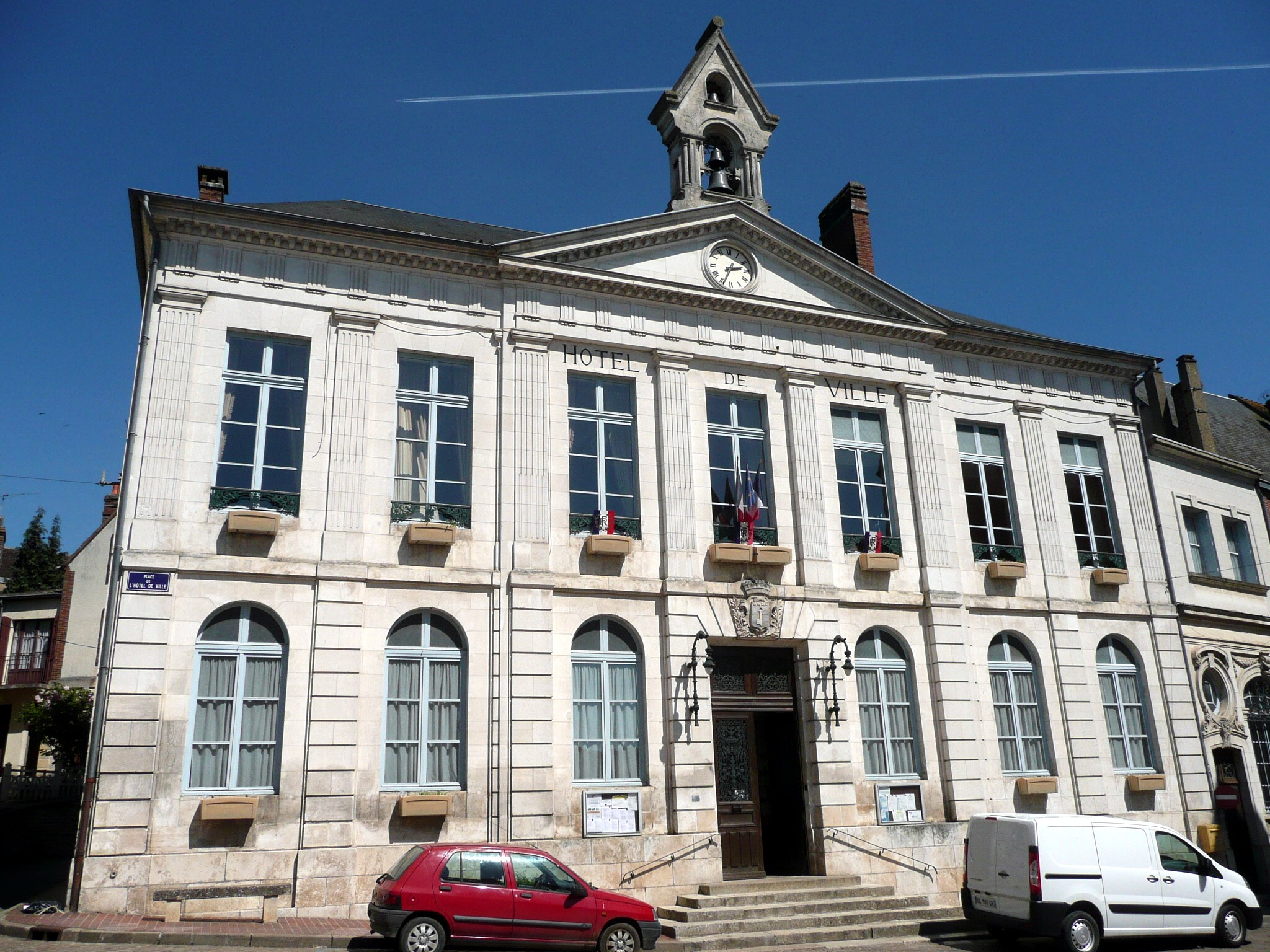 Hotel De Ville De Lalande