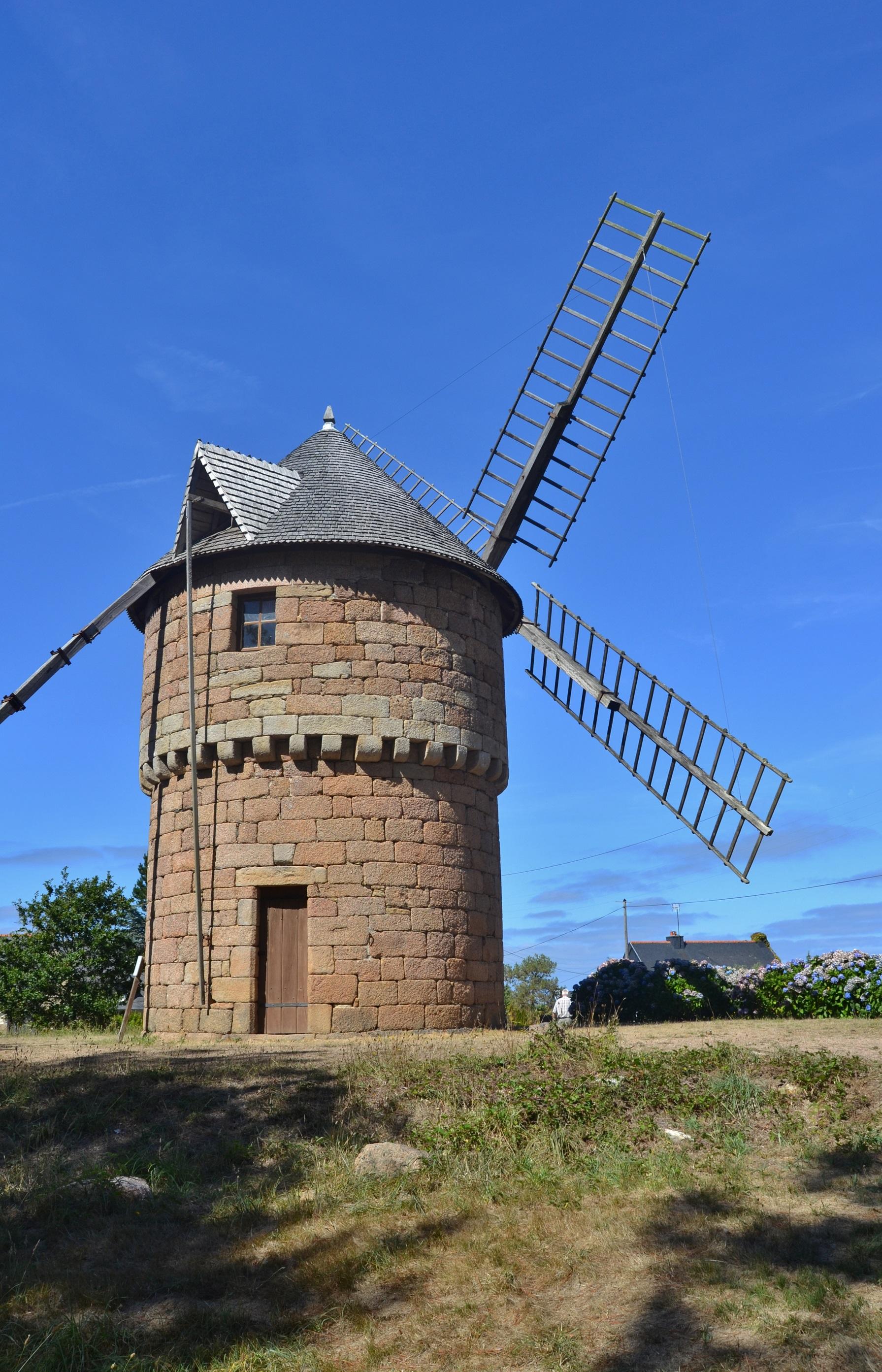 Photo perros guirec 22700 le moulin perros guirec - Office du tourisme perros guirec bretagne ...