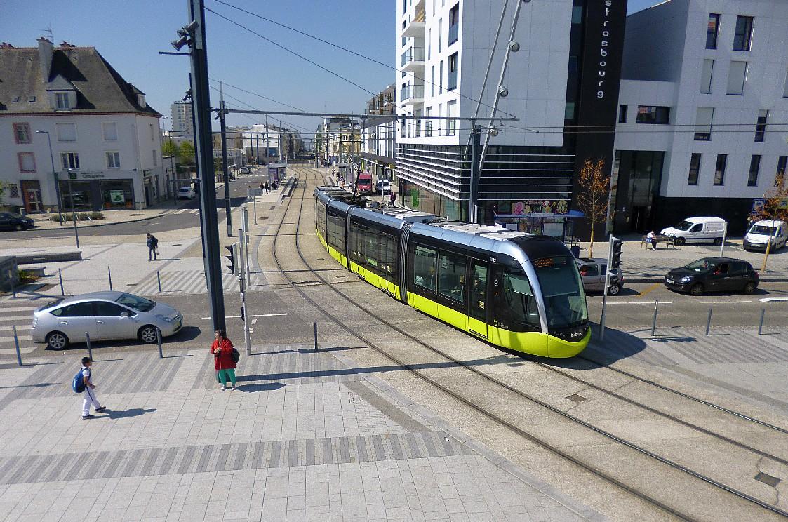 photo brest 29200 le tram place de strasbourg brest 237180. Black Bedroom Furniture Sets. Home Design Ideas