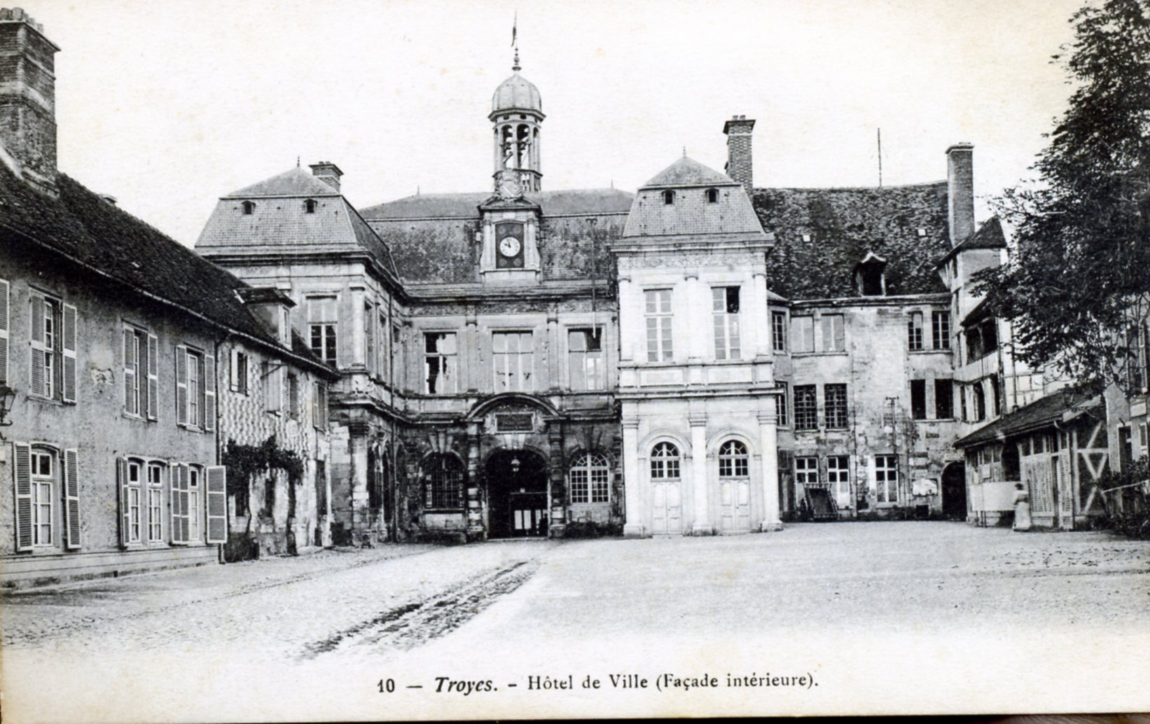 Photo troyes 10000 h tel de ville fa ade int rieure for Hotels troyes