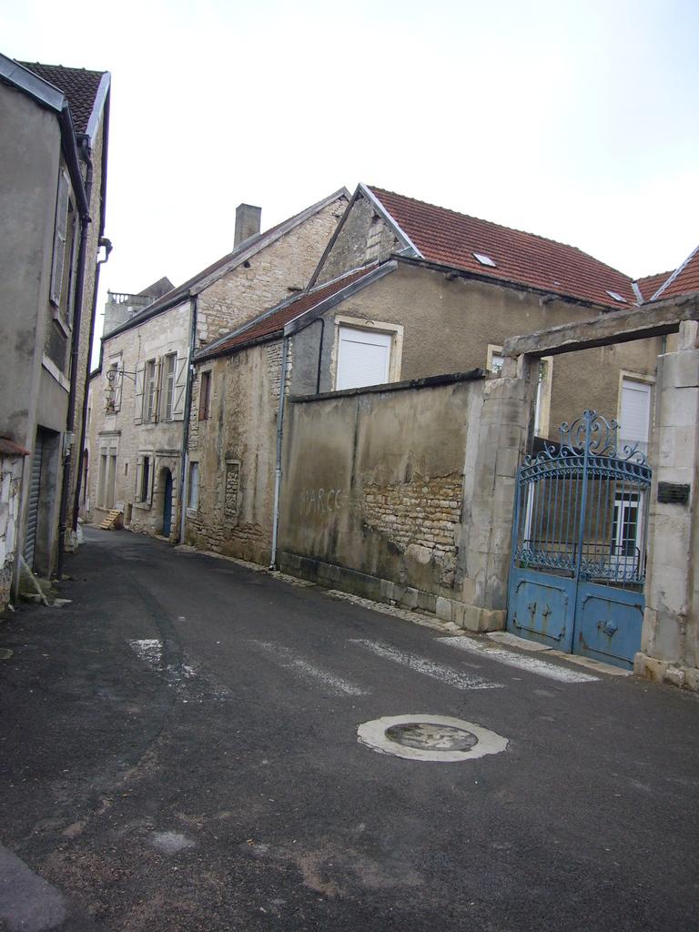 Photo chaumont 52000 rue hautefeuille chaumont for Immobilier chaumont 52000