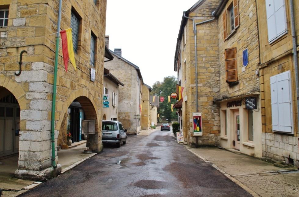 Photo à Nozeroy (39250) : Le Village - Nozeroy, 332784 Communes.com