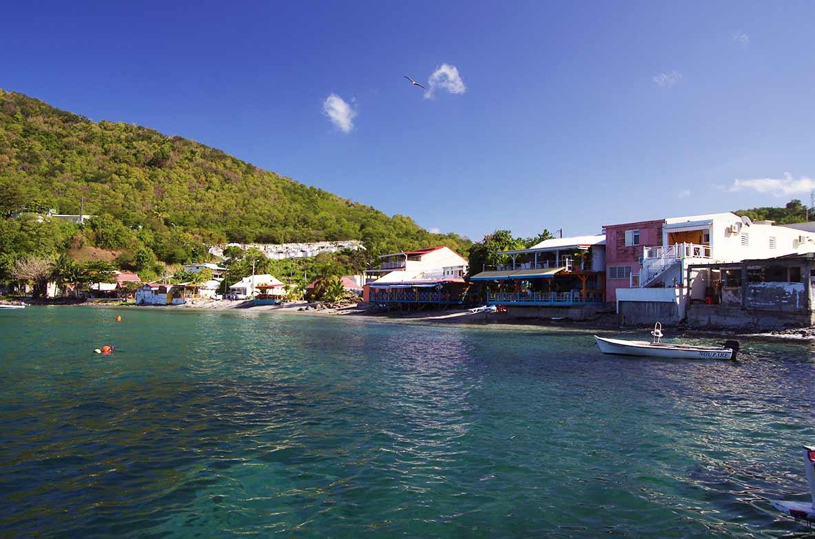 Location immobilier guadeloupe for Belle piscine de particulier 10 accueil location de villa en guadeloupe