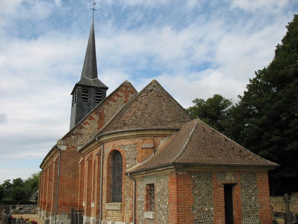 Photoà La Chapelle du Bois des Faulx (27930) Chevet de l'église La Chapelle du Bois des  # Hotel La Chapelle Des Bois