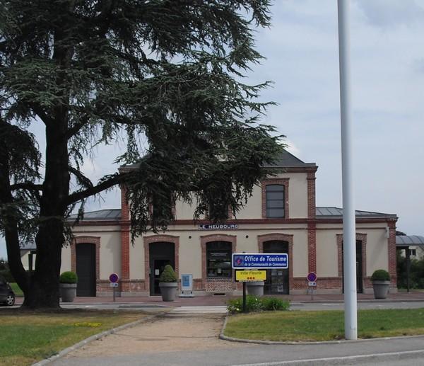 Photo le neubourg 27110 office du tourisme le neubourg 63421 - Office du tourisme le neubourg ...