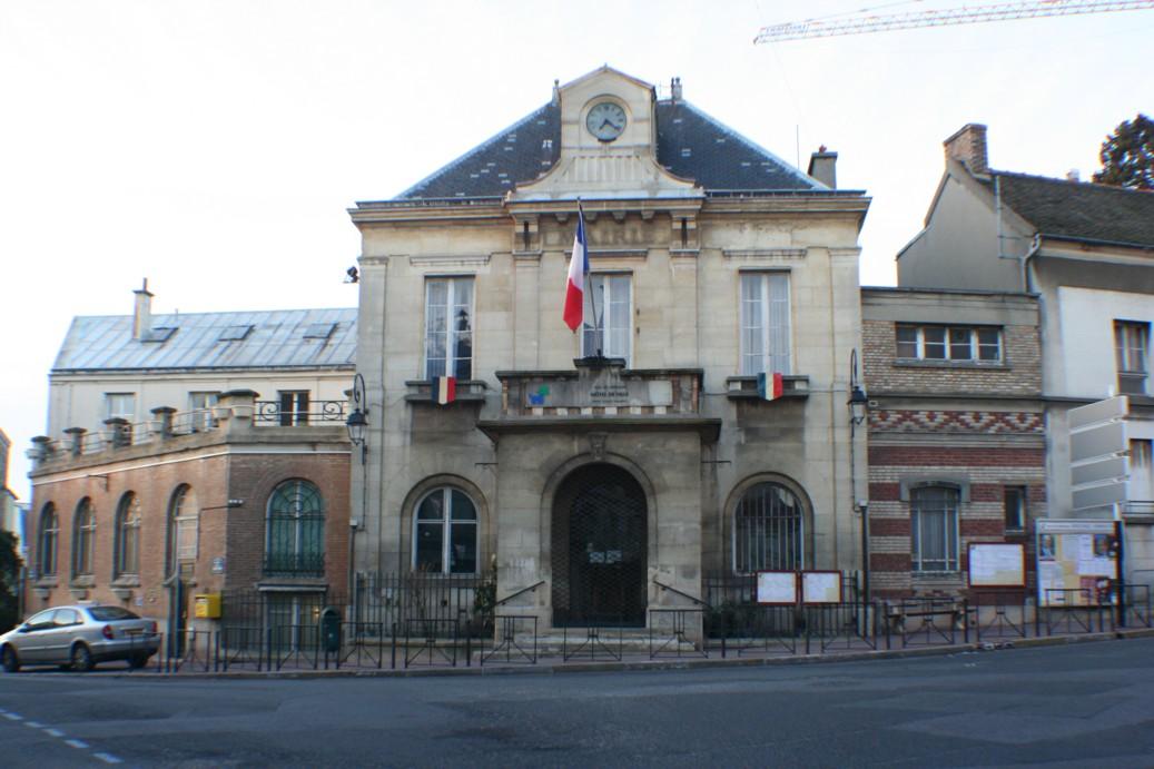 Photo ch tillon 92320 mairie de chatillon hauts de for Piscine de chatillon