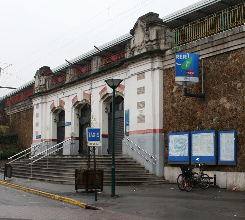 Photo gagny 93220 la gare de gagny villemomble for Horaire piscine de gagny
