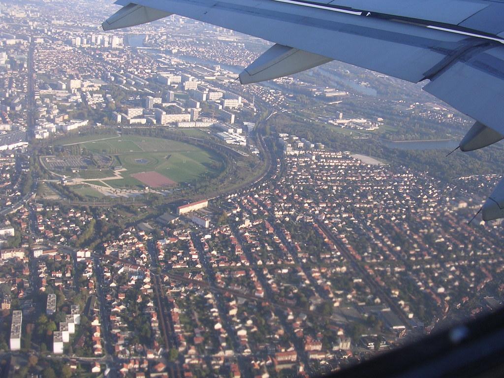 Photo villeneuve le roi 94290 la ville vue d 39 avion for Piscine villeneuve le roi
