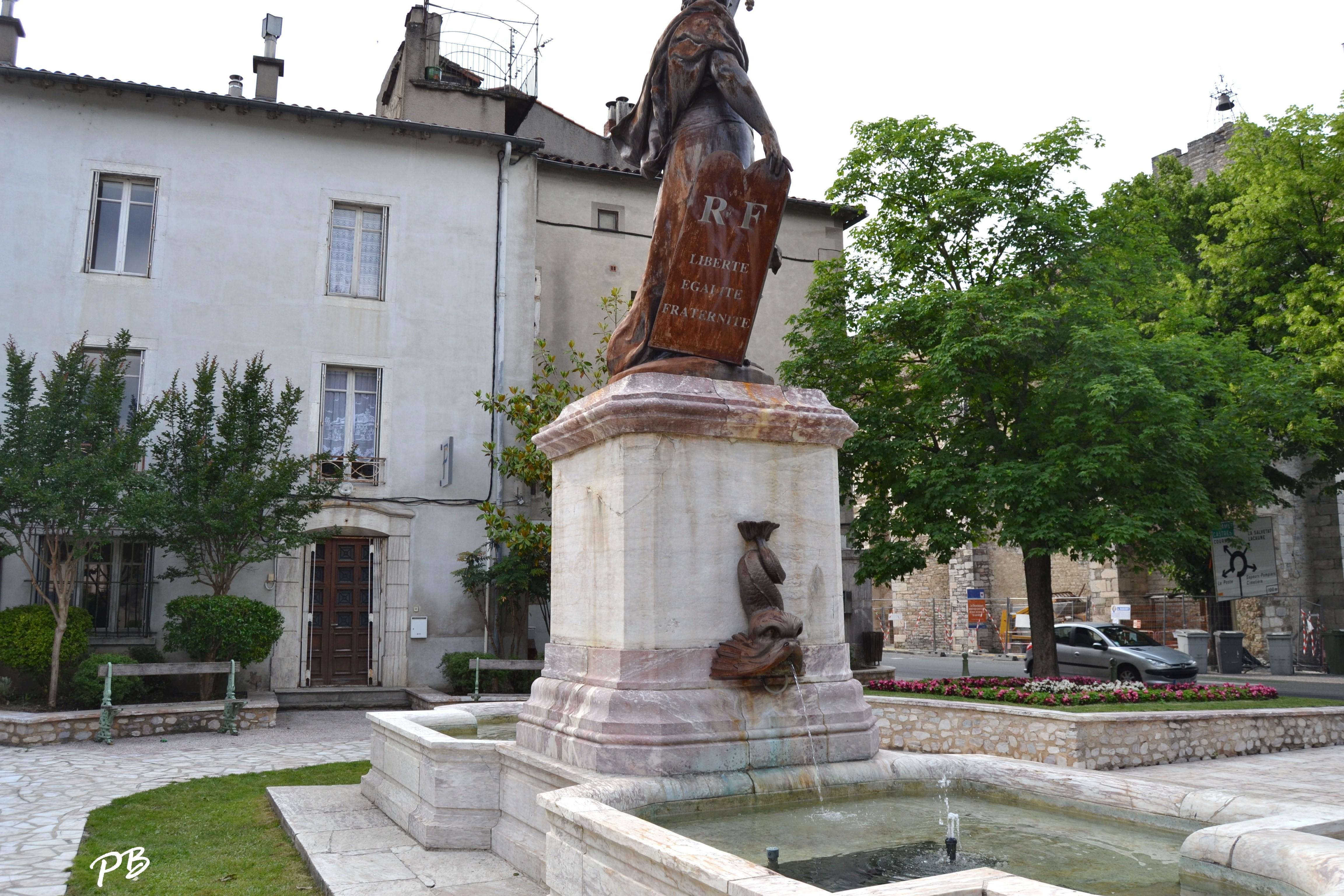 Hotel Saint Pons De Thomieres