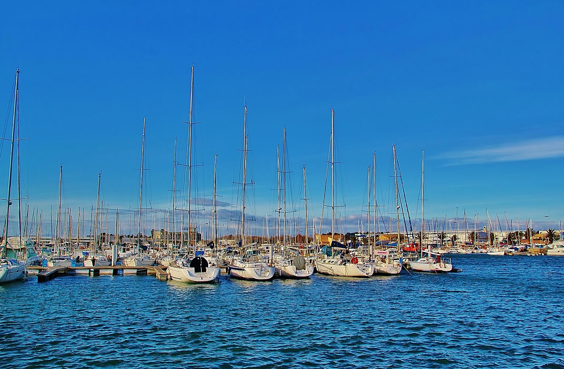 Photo canet en roussillon 66140 port et voiliers - Office du tourisme de canet en roussillon 66140 ...