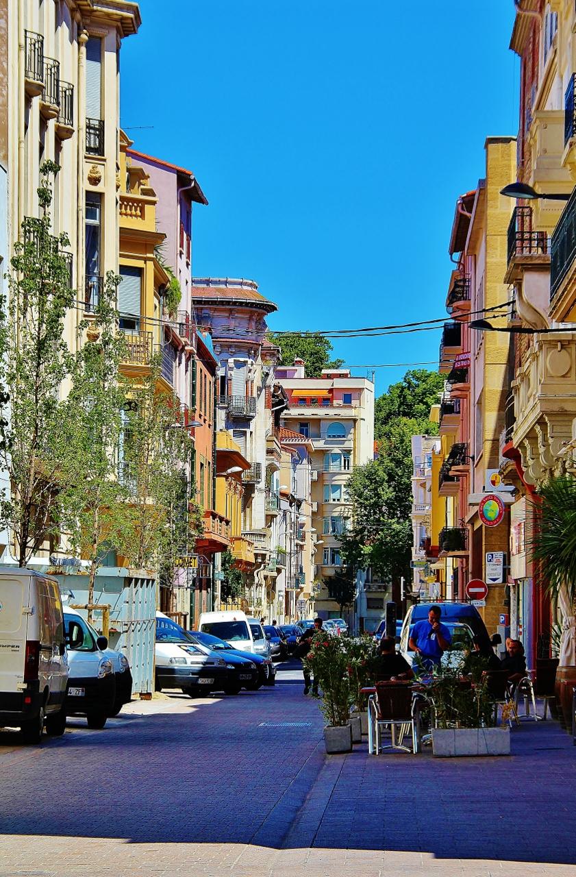 Photo perpignan 66000 rues de la ville perpignan for La cir perpignan