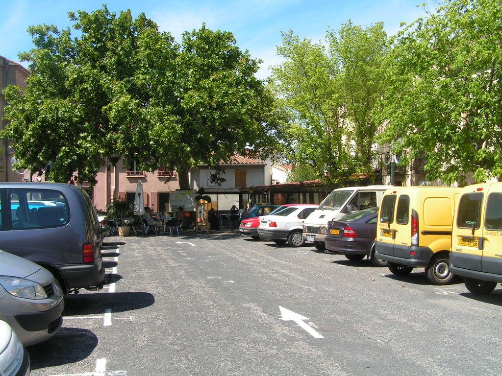 Photo saint paul de fenouillet 66220 la place - Saint paul de fenouillet office de tourisme ...