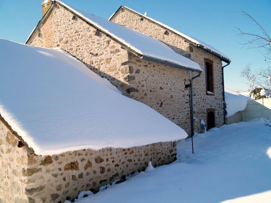Photo aug res 23210 maison creusoise sous la neige - Source sous la maison ...
