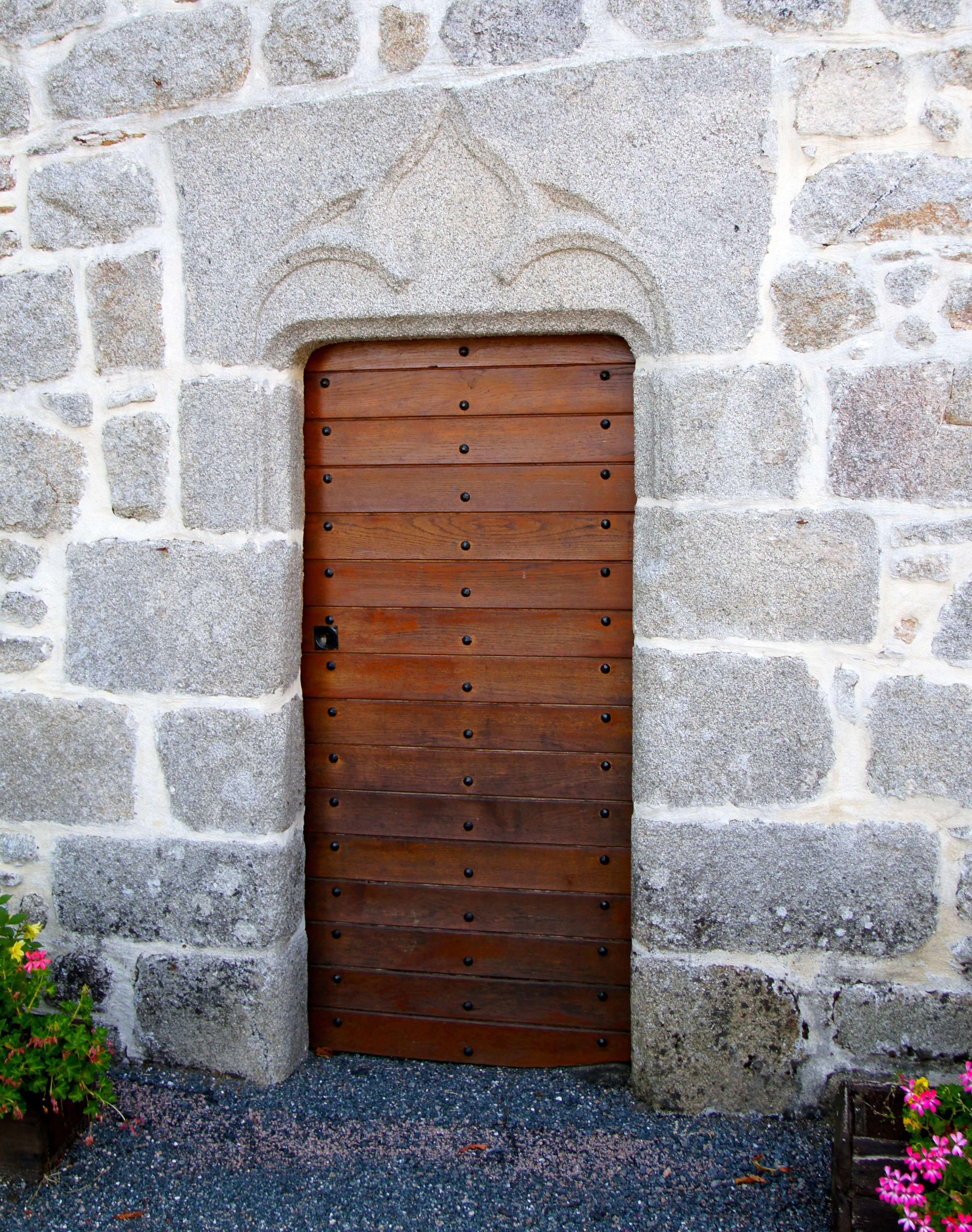 Photo pensol 87440 eglise saint cloud porte de la fa ade occidentale pensol 203117 for Jardin porte de saint cloud