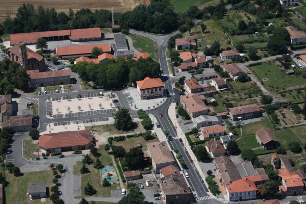 Photo b rat 31370 b rat centre village vue du ciel - Centre bouddhiste haute garonne ...