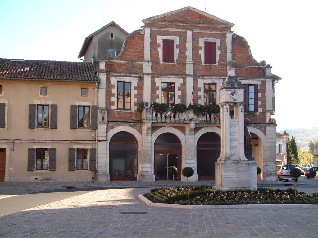 Mairie Cazeres