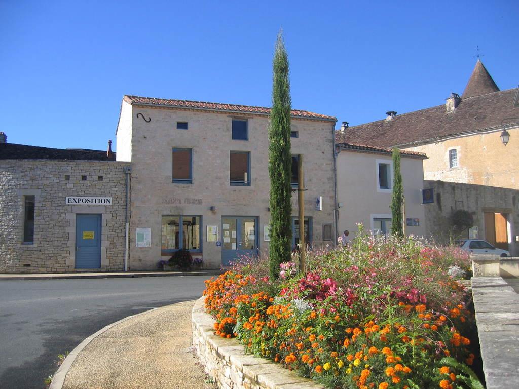 Photo salviac 46340 l 39 office de tourisme salviac 1583 - Office tourisme pyrenees 2000 ...