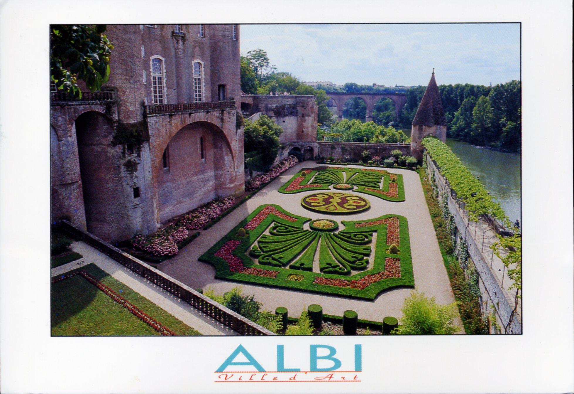 Photo albi 81000 les jardins de la berbie dominant for Le jardin des quatre saisons albi