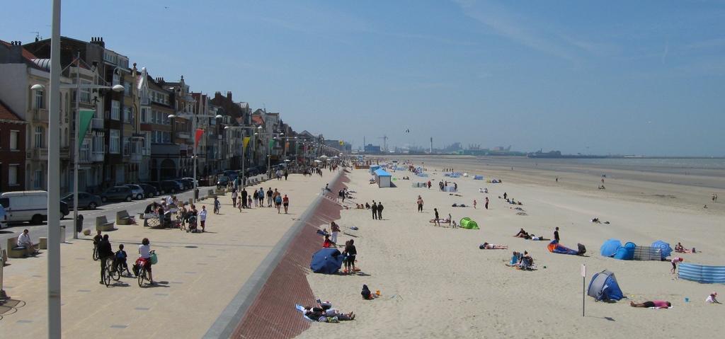 Photo à Dunkerque (59140) : La plage de MALO LES BAINS - Dunkerque, 37176  Communes.com