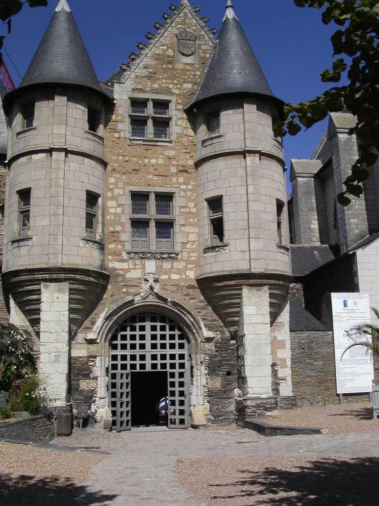Angers tourisme chateau - Office du tourisme chateau de la loire ...