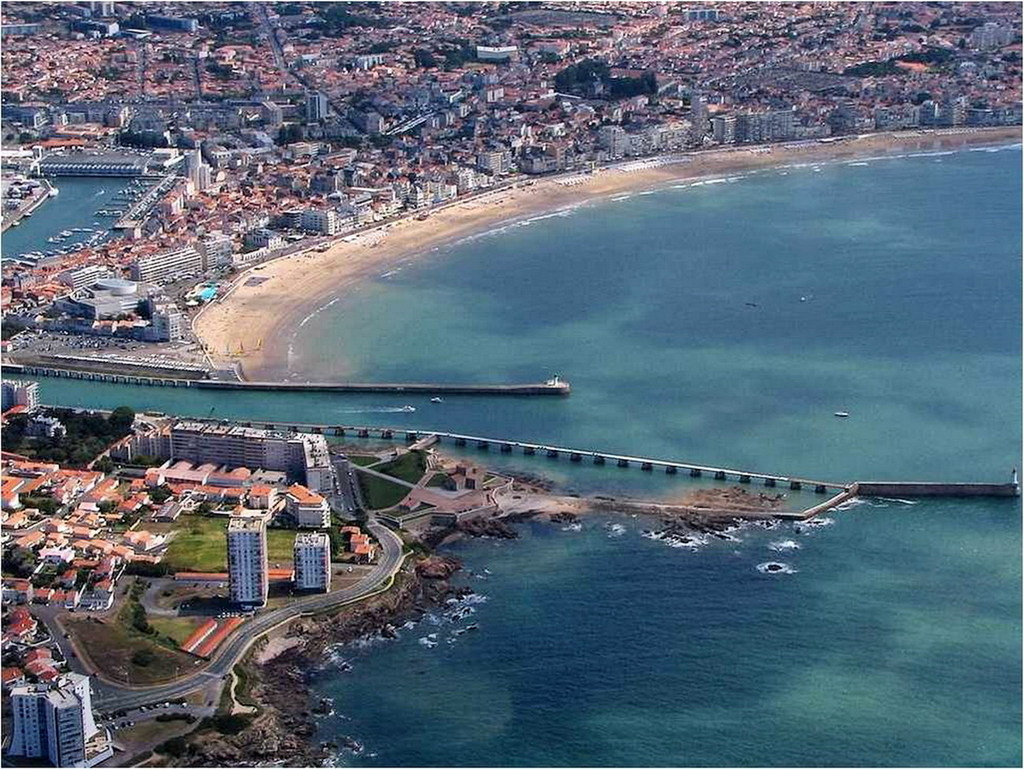 Photo les sables d 39 olonne 85100 vue a rienne les for Piscine les sables d olonne