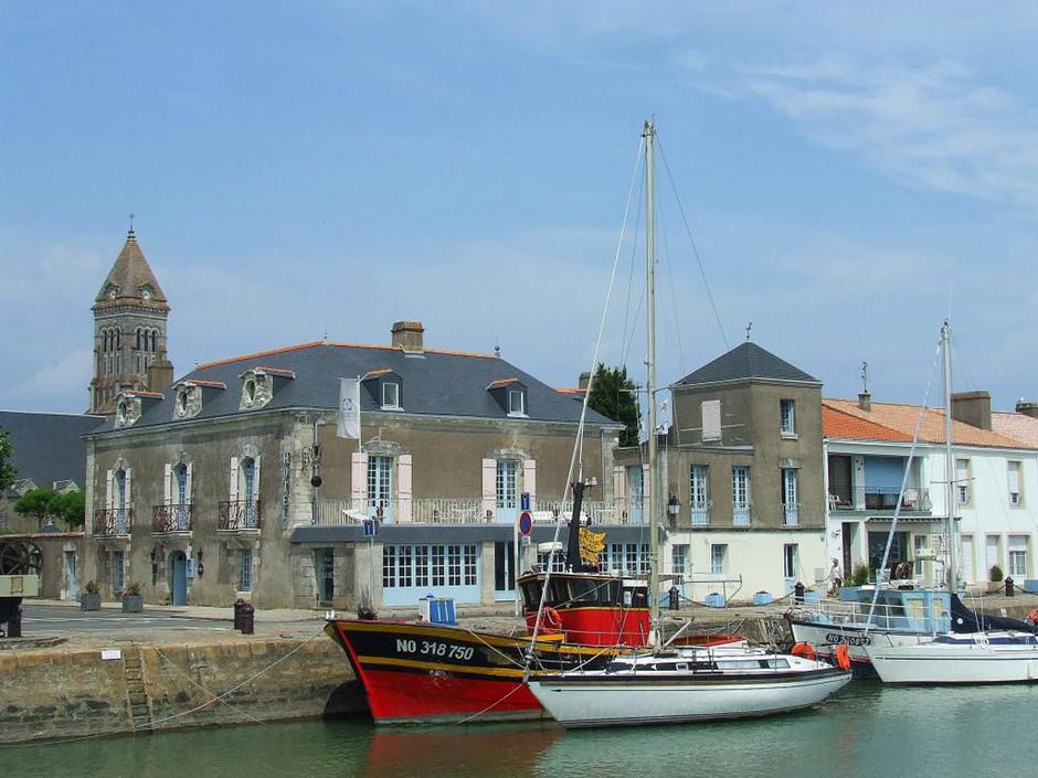 Photo noirmoutier en l 39 le 85330 au port de l 39 ile ed - Office de tourisme noirmoutier en l ile vendee ...