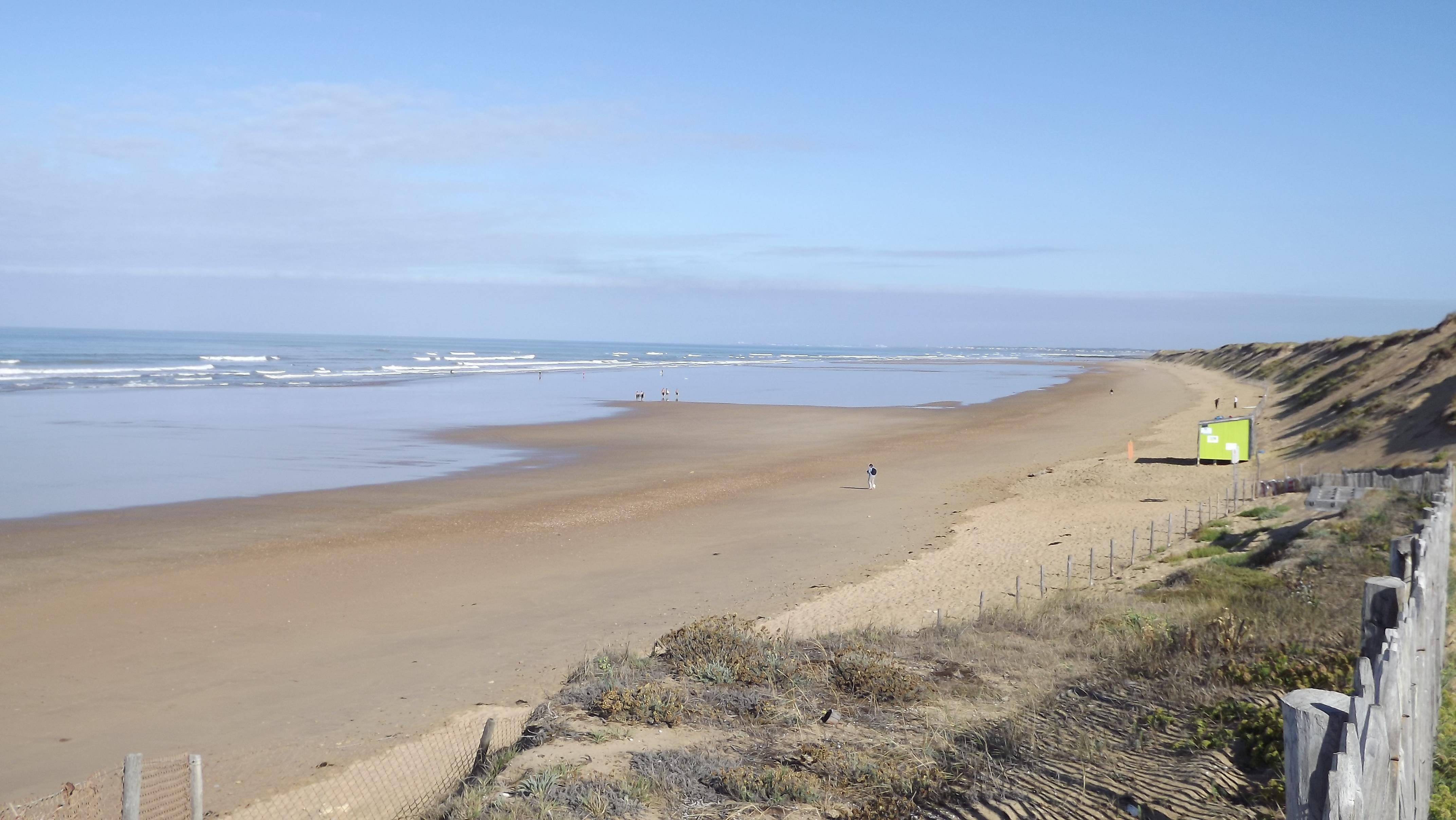 Photo olonne sur mer 85340 plage des granges for Piscine des chirons olonne sur mer