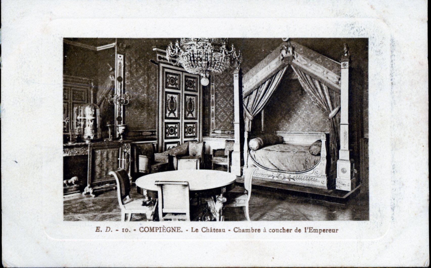 Photo compi gne 60200 le ch teau chambre coucher - Chambre a coucher ancienne ...