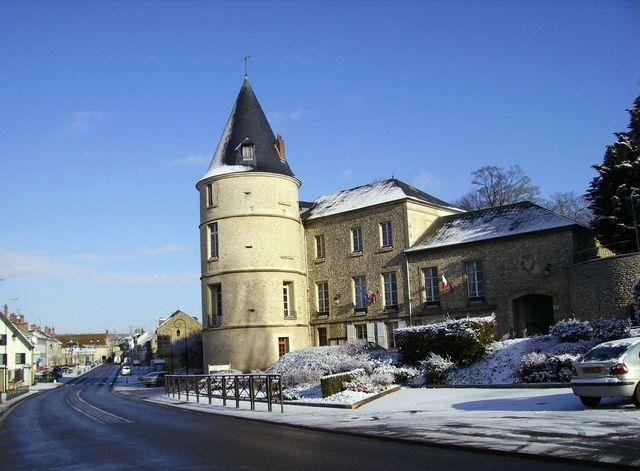 Photo trie ch teau 60590 trie ch teau mairie for Piscine trie chateau
