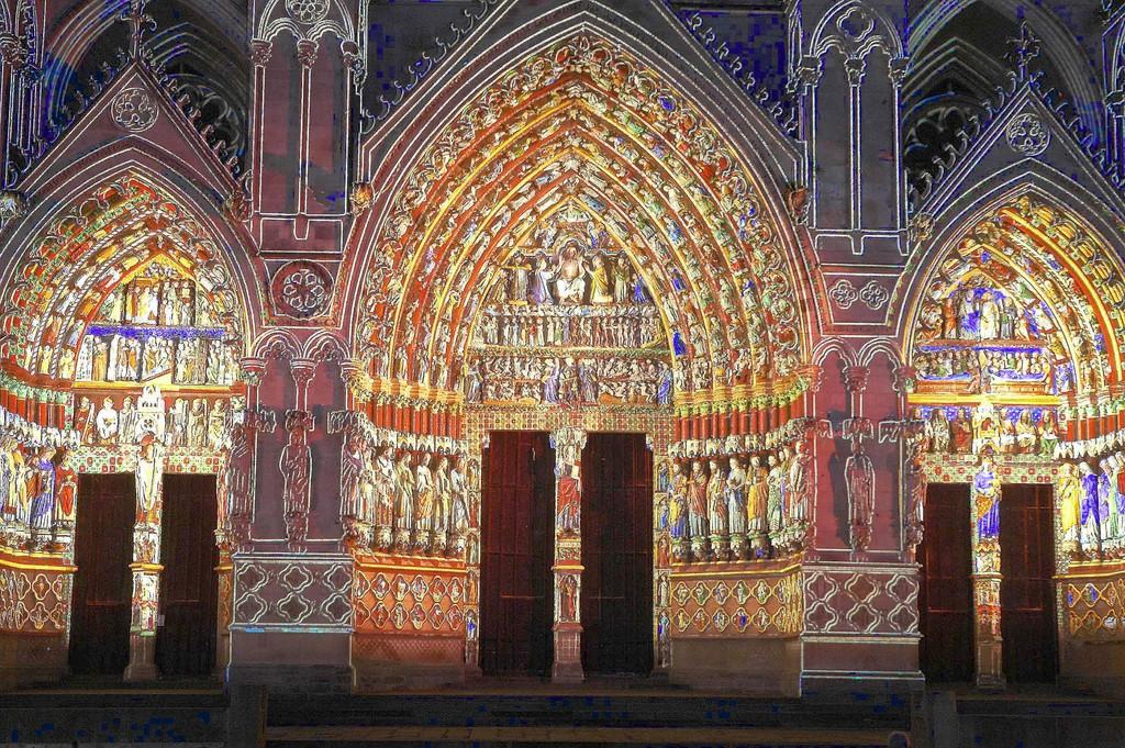 Amiens_33575_6-AMIENS-17-06-06-la-cathedrale-en-couleurs-24.jpg