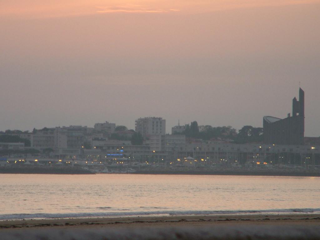 Photo royan 17200 royan la tomb e de nuit 2925 - Office du tourisme de royan charente maritime ...