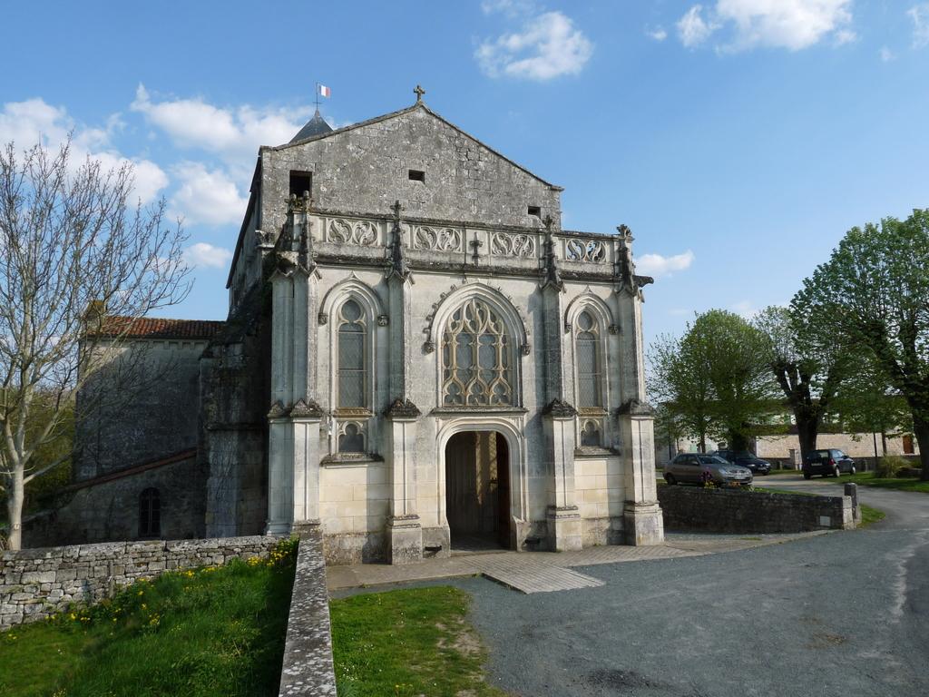 Photoà Saint Saturnin du Bois (17700) Eglise Saint Saturnin Saint Saturnin du Bois, 50458  # St Saturnin Du Bois