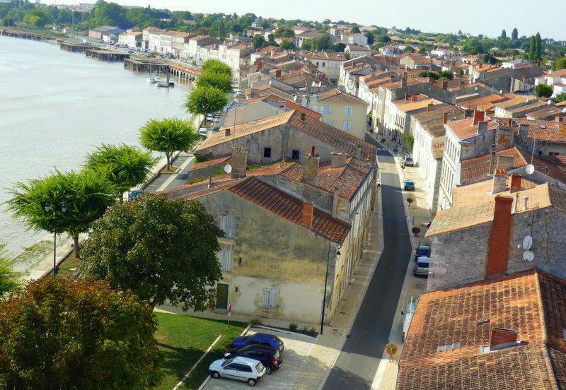 Photo tonnay charente 17430 la ville tonnay - Piscine de tonnay charente ...