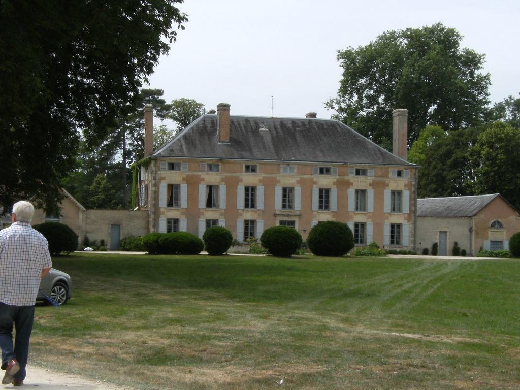 Domaine de la tuilerie niort business plan