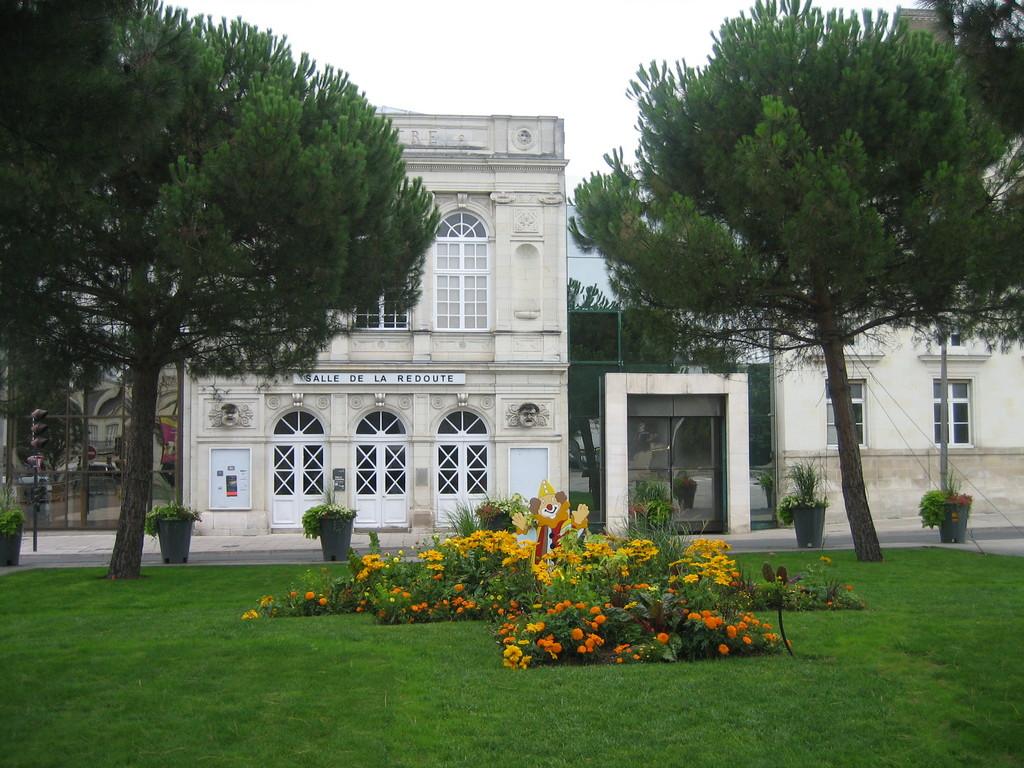 Photo ch tellerault 86100 salle de la redoute for Habitat de la vienne chatellerault