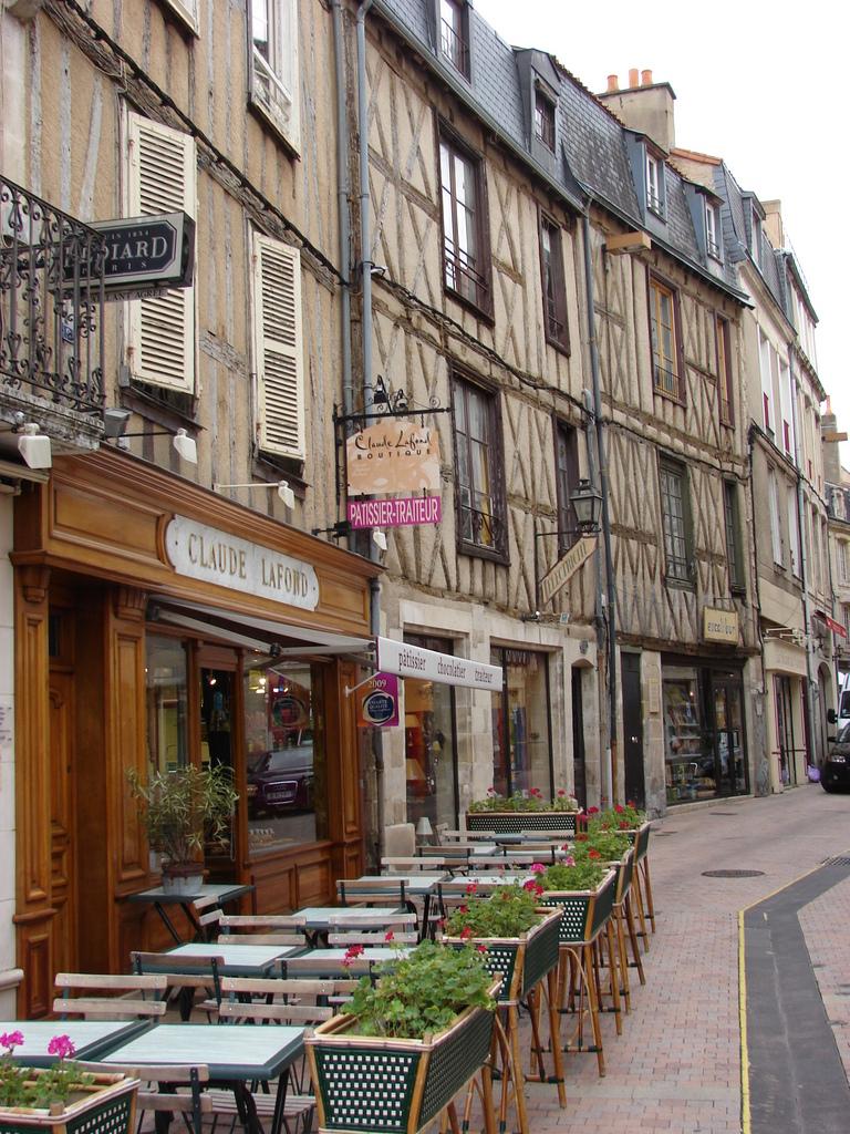 Photo poitiers 86000 la rue des vieilles boucheries for Plan de la vienne 86000