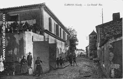 Photos et cartes postales anciennes de garons 30128 for Plan de garons