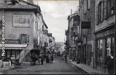 Rue L Hotel De Ville Nivolas Vermelle