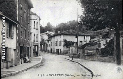 Place De L Hotel De Ville Amplepuis