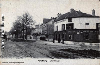 photos et cartes postales anciennes de le port marly 78560