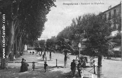 photos et cartes postales anciennes de draguignan 83300. Black Bedroom Furniture Sets. Home Design Ideas