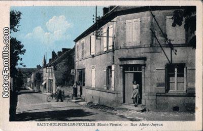 photos et cartes postales anciennes de saint sulpice les feuilles 87160. Black Bedroom Furniture Sets. Home Design Ideas